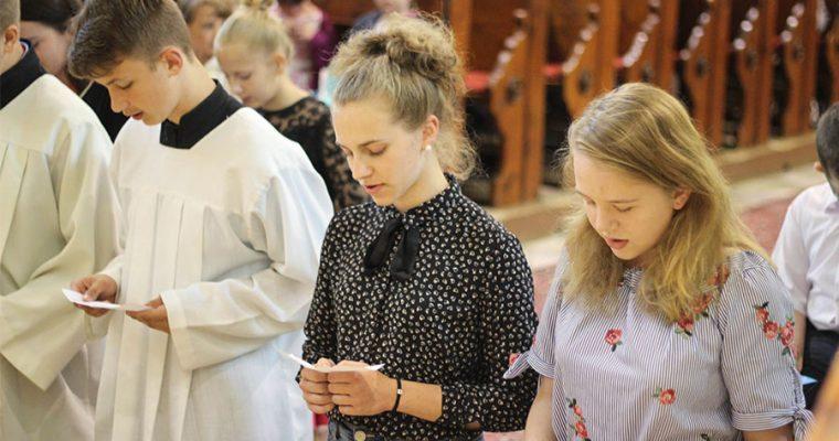 Prijatie do Združenia mariánskej mládeže